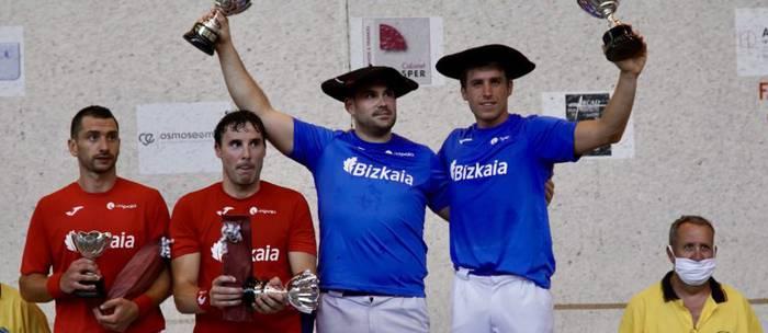 Xabier Ibargarai erratzuarrak eta Necol frantziarrak irabazi dute udako pala txapelketa