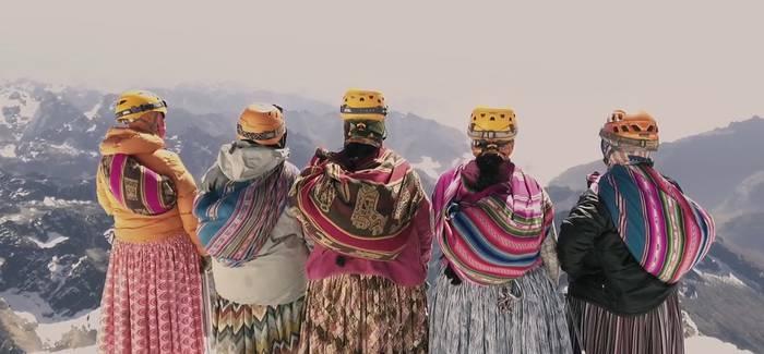 'Cholitas' dokumentala ikusteko 50 sarrera bakarrik gelditzen direla jakinarazi du Manttalek