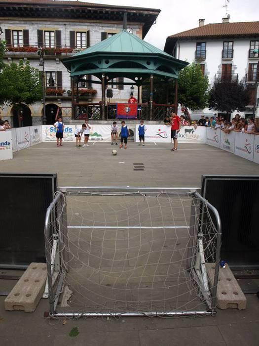 3x3 Futbol plaza txapelketa antolatu du Osasuna Fundazioak Lesakan abuztuaren 14an