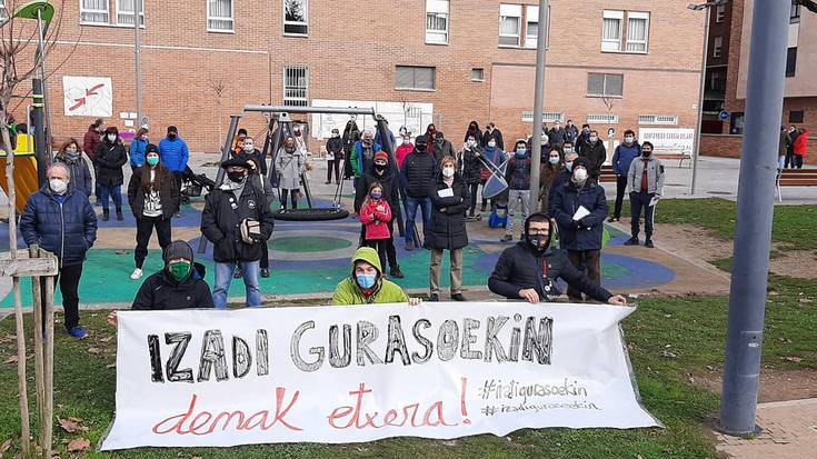 Torreak 'Izadi gurasoekin etxera' plataformarekin bat eginez elkartasun hitzordua antolatu du larunbaterako