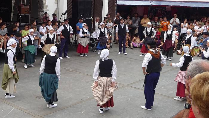 Helduen dantza taldea sortu dute Arantzan