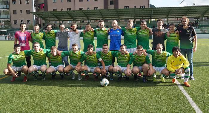 Gizonezkoen futbol talde nagusien artean Leitzako Aurrerak bakarrik lortu du garaipena