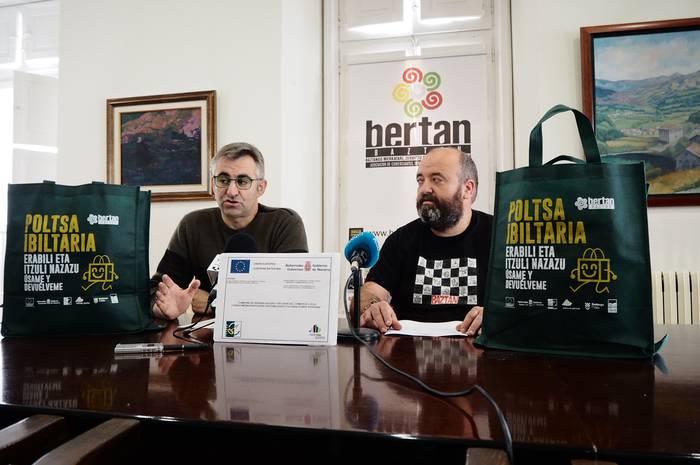 'Poltsa Ibiltaria' kanpaina abiatu du Bertan Baztan elkarteak
