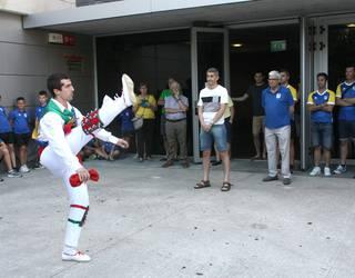 Undiano Mallenco nazioarteko futbol-epaile nafarra omendu dute Lesakan