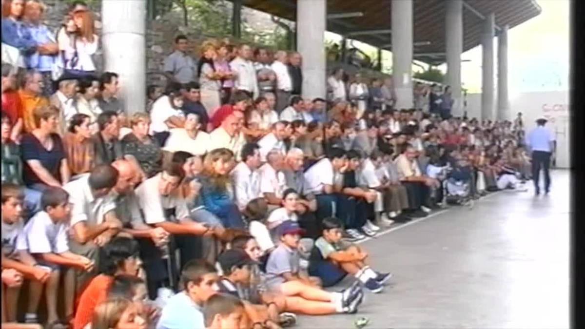 Euskal Herriko txinga eramate txapelketa 2000. urteko Arantzako bestetan