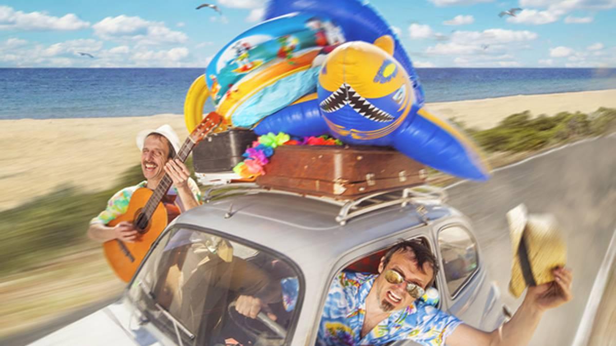 Leitzan 'Amico on the beach' antzezlanaren beste emanaldi bat antolatzeko aukera aztertuko dute