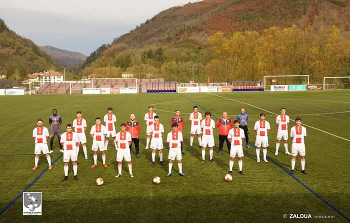 Bigarren postua eskuratzeko garaipena lortu du Doneztebe futbol talde nagusiak