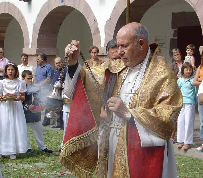61 urtez Sunbillako apeza izandako Basilio Sarobe hil da abenduaren 1ean
