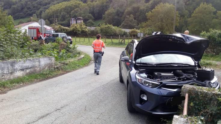 Iruritako auto istripuan 19 urteko gaztea zauritua