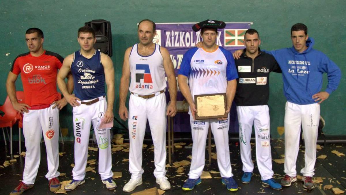 Jon Irazuk irabazi du Euskal Herriko bigarren mailako aizkora txapelketa