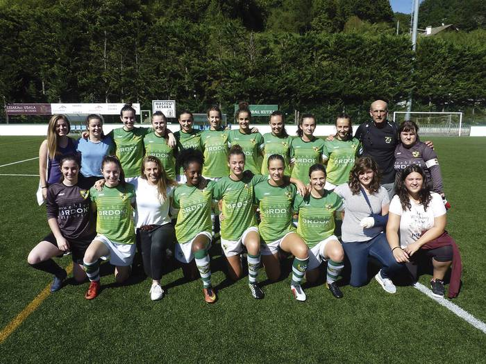 Kiroltasunaren saria irabazi du Beti Gazteko emakumeen futbol taldeak
