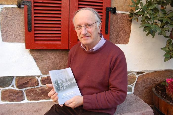 Auxtin Zamora senpertarra ohorezko euskaltzain berri izendatu du Euskaltzaindiak