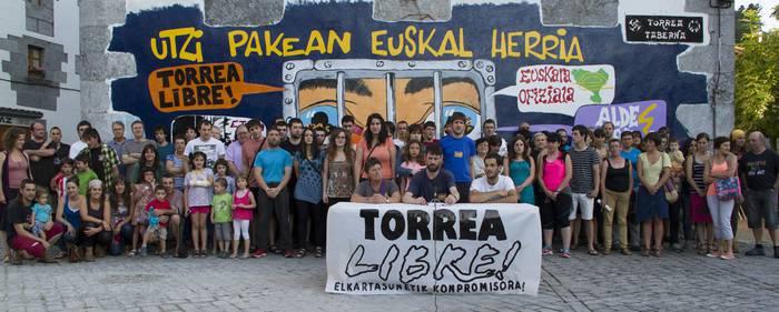 Leitzako Torrea Herriko Tabernak kontu korronteak enbargatu dizkiotela salatu du