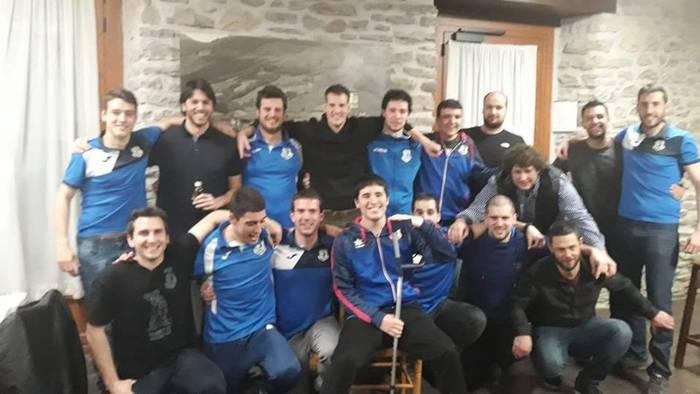 Lehen faseko partida guztiak irabazita txapeldunen faserako lider sailkatu da Erreka eskubaloi taldea