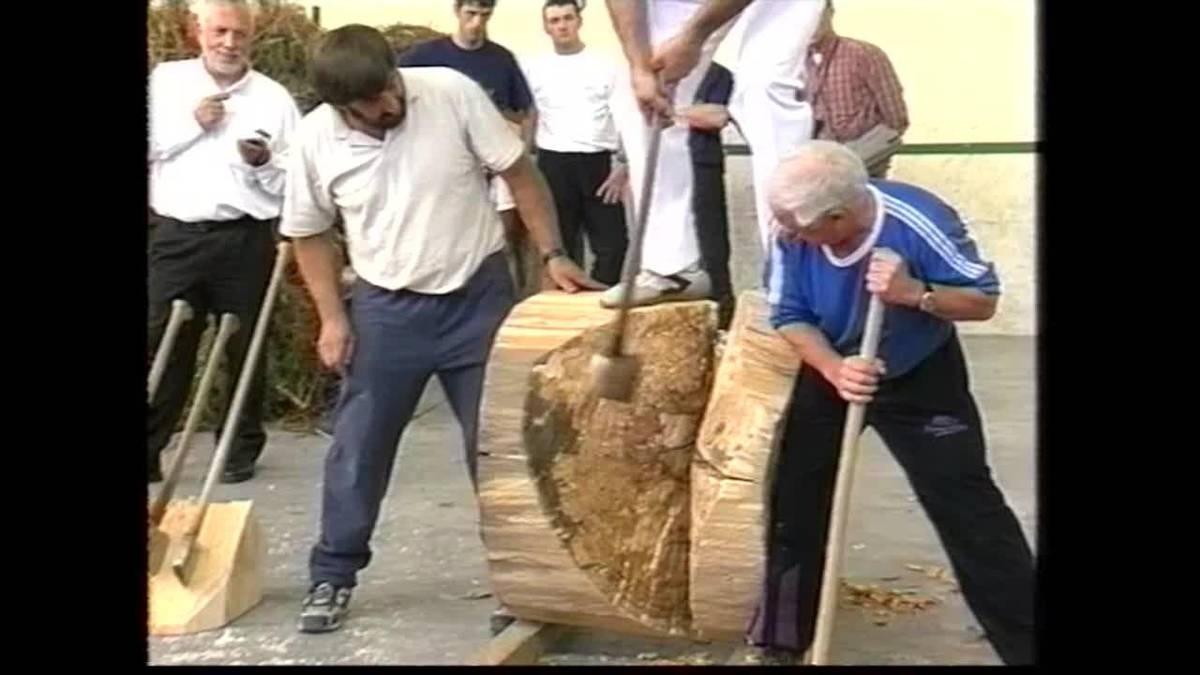 Luis Mari Zelaieta zena omendu zuten 2002ko Igantziko bestetako herri kirol saioan