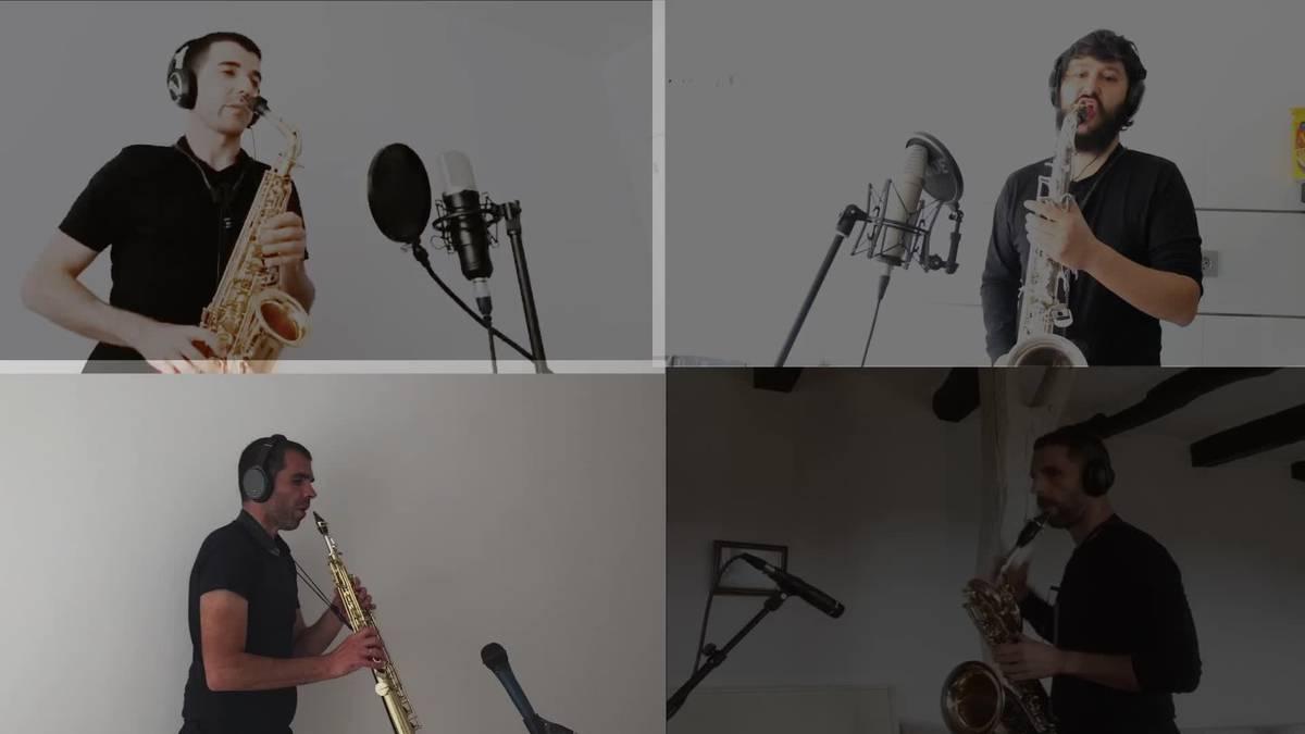 Anje Duhalde eta Seïn saxofoi laukotea 'Ama Euskal Herria' kantari