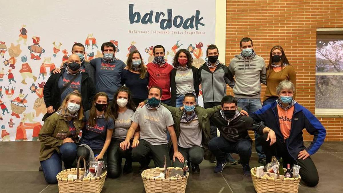 Bardoak Bertso lehiaketako irabazlea eskualdeko Bertsonautak taldea izan da