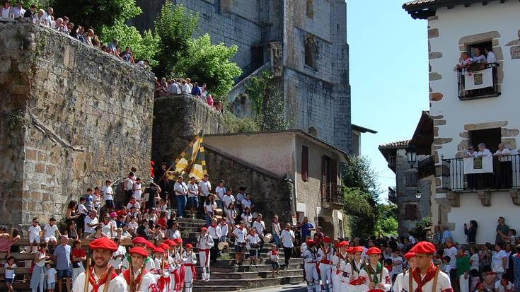 San Esteban egunean goizeko dantzak Beran