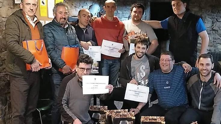 Xabi Azkunek eta Jose Luis Endarak irabazi dute Gure Txokoako mus txapelketa