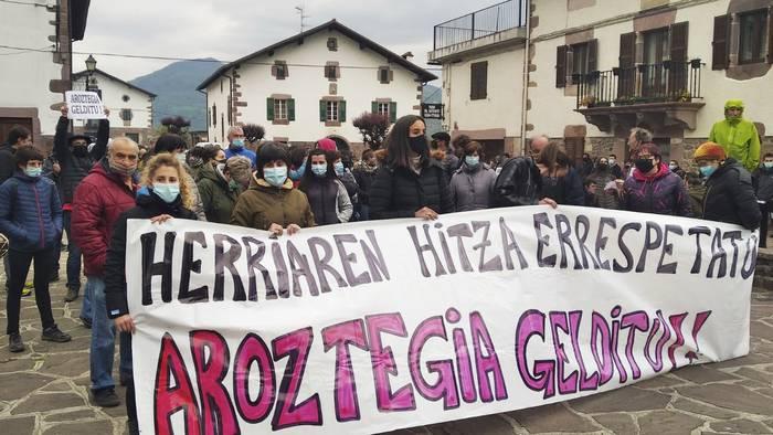 Maiatzaren 15eko manifestazioaren aldeko argazkia aterako dute gaur Erratzun