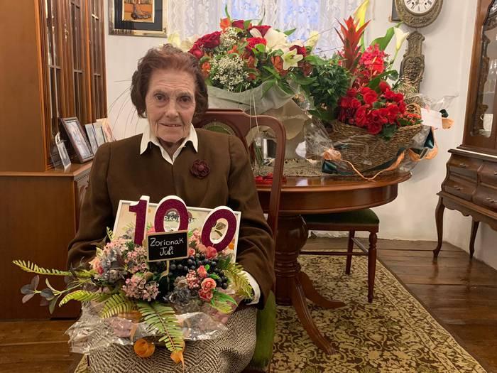 Juli Elizalde etxalartarrak 100 urte bete ditu