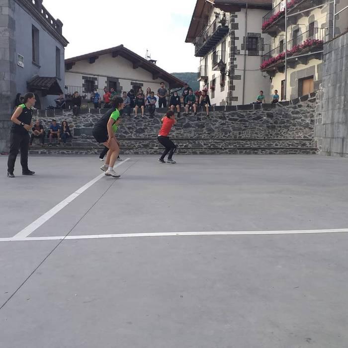 Bertan behera geratu da gaur Leitzan jokatzekoa zen Plazaz-Plaza txapelketako partidua