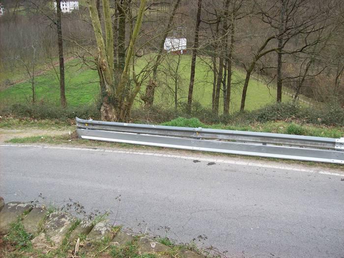 Nafarroako 22 errepidetako bazter-babesak egokituko dituzte 400.000 euro inbertituz
