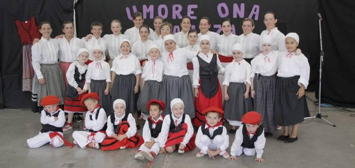 Umore Ona dantza taldeak emanaldia eginen du larunbatean Goizuetan
