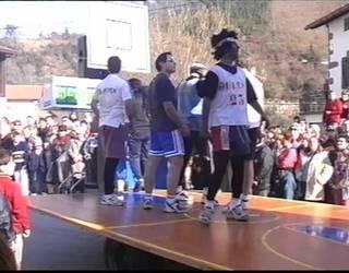 2002ko Inauterietako Igandeko karrozen desfilea Sunbillan