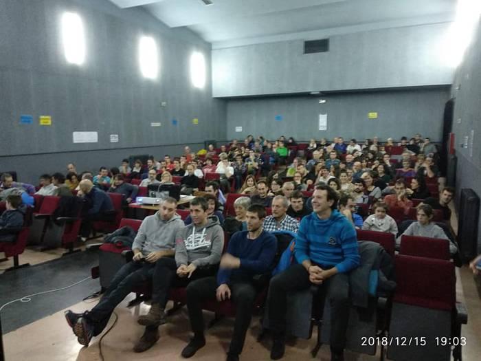 Erreka elkarteak antolatutako Mendiaren Egun polita izan dute Donezteben