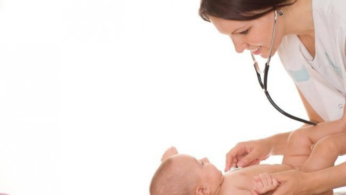 Pediatria zerbitzuaren aldeko sinadura bilketa Malerrekan eta Bertizaranan