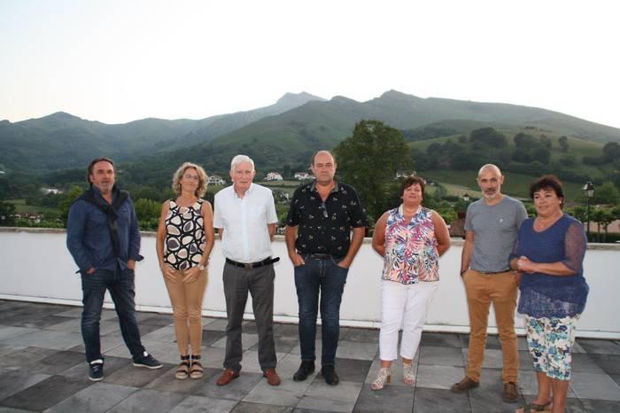Saran izendatu dituzte Euskal Hirigune Elkargoan parte hartuko duten bi ordezkariak eta herriko sei axuantak