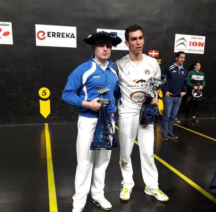 Soraluzeko lau eta erdiko txapelketa irabazi du Iker Salaberria goizuetarrak