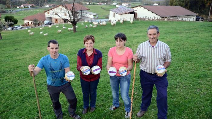 Urdazubiko Etxelekua gasnategiak sei domina eskuratu ditu World Cheese Awards nazioarteko lehiaketan